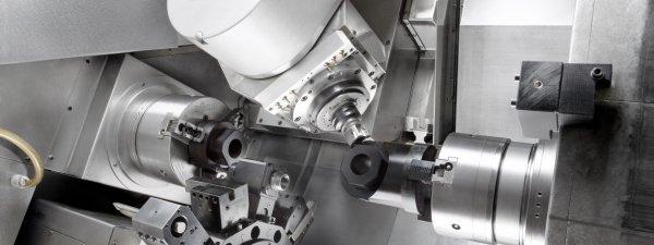 'Maschinenraum eines CNC-Dreh-/Fräszentrums